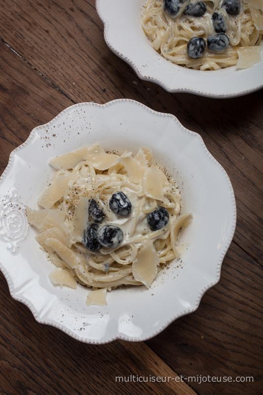 Spaghettis au roquefort et aux olives noires - recette pour multicuiseur