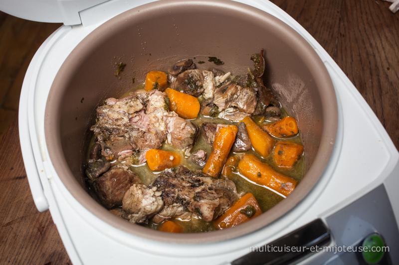 Multicuiseur : viande de porc mijotée à la coriandre